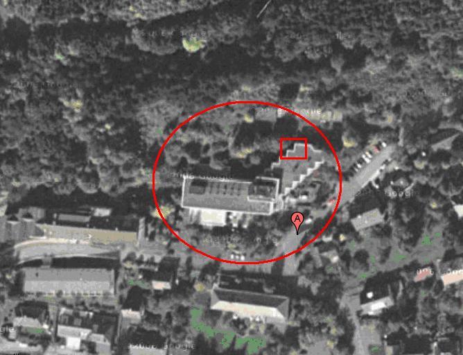 Hotel van bovenaf met vierkant blokje op de plaats waar onze kamers waren.